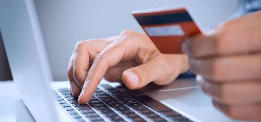 مشتریان چگونه به یک فروشگاه آنلاین اعتماد میکنند؟
